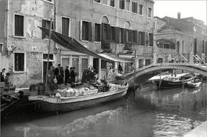 Venezianischer Schiffsmarkt ⸧   ⸦ Floating vegetable market