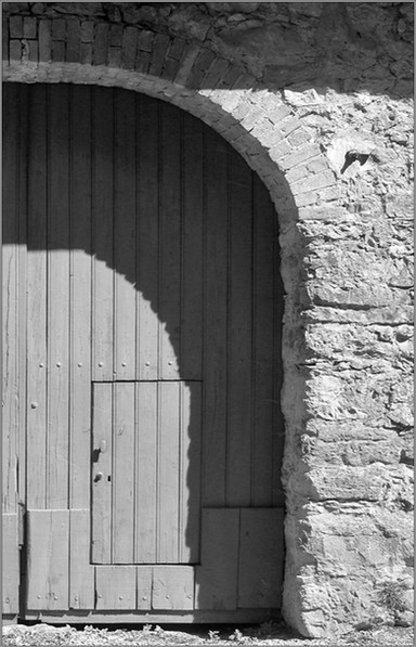 Schlupftüre   ⸧ | ⸦   Wicket pass door
