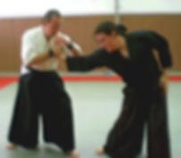 Maestros enseñan técnica kote jutsu
