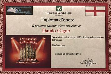 Profondo_Nero_DIplomaIMG_5598.jpg