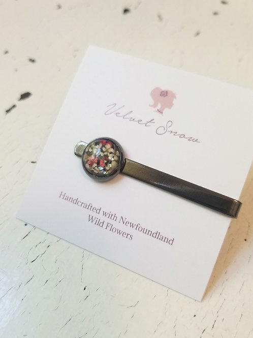 Copy of Queen Anne's Lace (Dyed Pink): Gunmetal Tie Clip