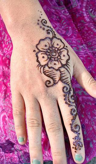 Henna Hand, Flower
