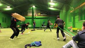 オフシーズントレーニングを室内練習場で行っています!!