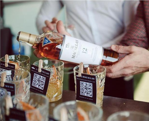 el mejor whisky escocés de la marca de lujo The Macallan organiza un evento de lujo en el colegio oficial de arquitectos de madrid