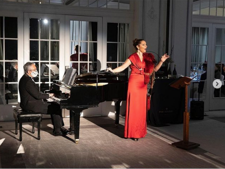 Despedimos el año 2020 con Virginia Tola y Angel Schelesser en el Westin Palace de Madrid.
