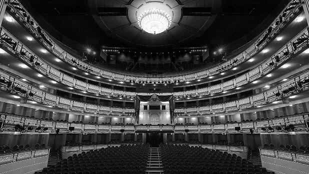 SalaPrincipal_TeatroReal_LIGHT_edited.jpg