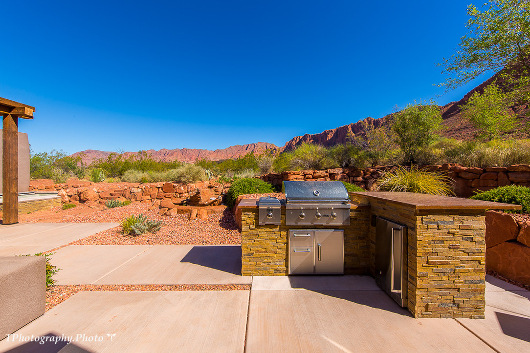 Outdoor grill and fridge.jpg