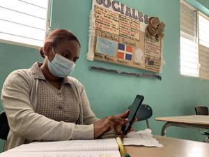 100% Online School in the DR . . . and the Challenges This Presents