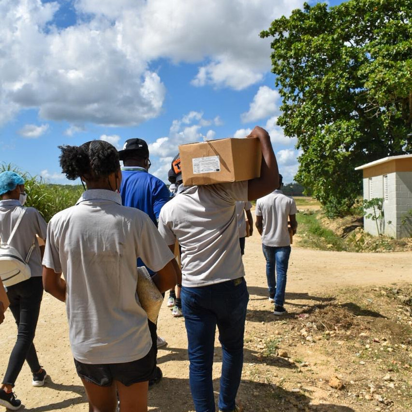 Food distribution in the bateyes