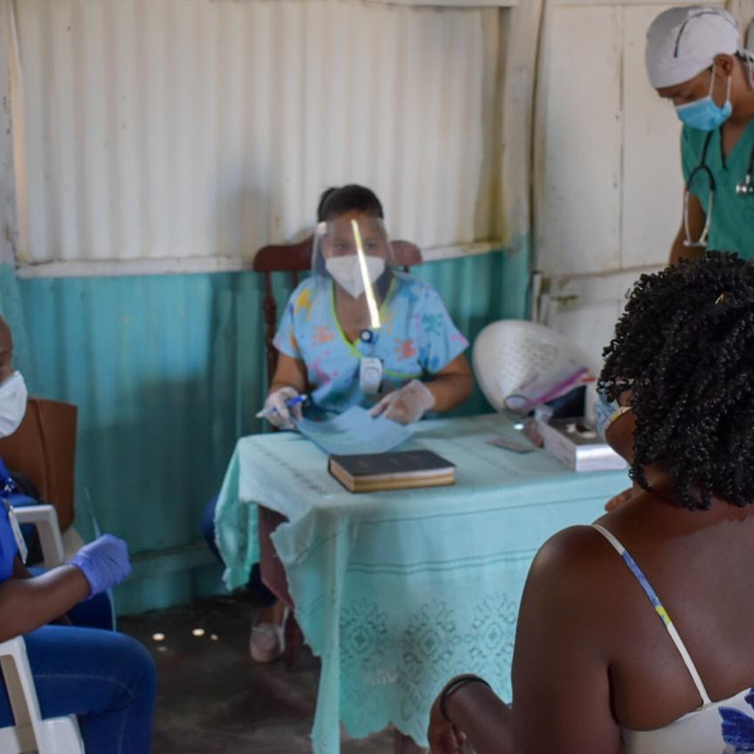 Med clinic in the bateyes.