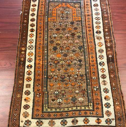 Antique Persian (SM-897)