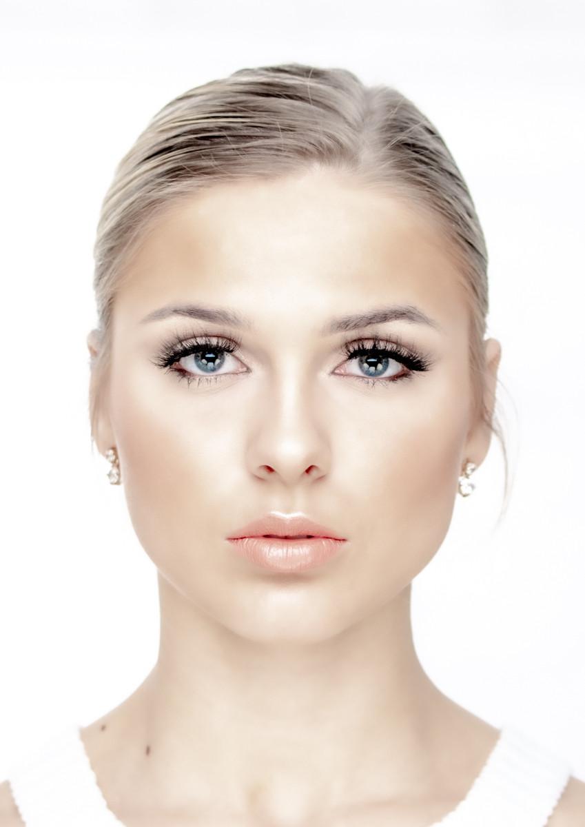 PDI - Model Face by Mal Gribbon (11 marks)