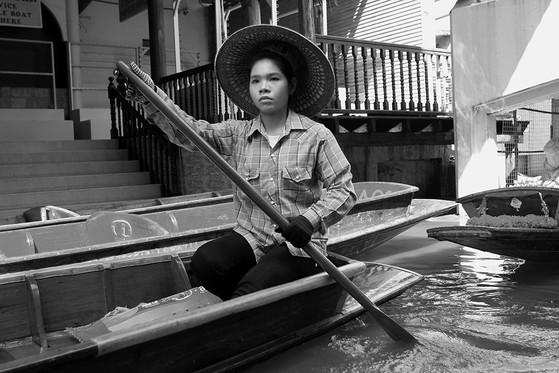 paseo matutino, damnoen saduak, thailand