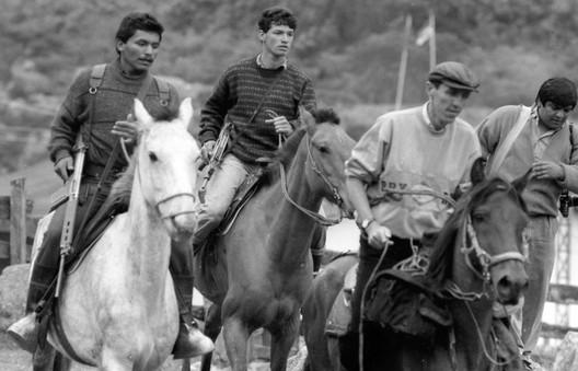 guerrilleros y fotógrafo, 1989