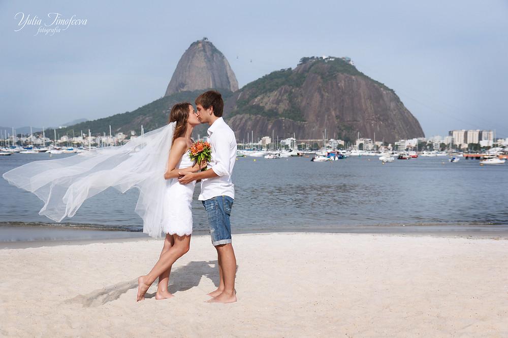 Свадебная фотосессия на пляже Ботафого Рио де Жанейро
