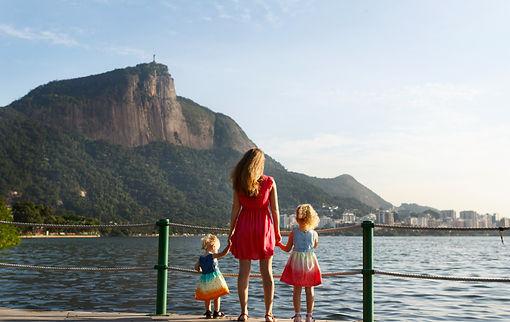 Семейная фотосессия на лагуне лагоа в Рио-де-Жанейро Family photosession on Lagoa in Rio de Janeiro