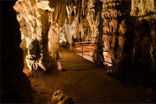 Höhle 1.jpg