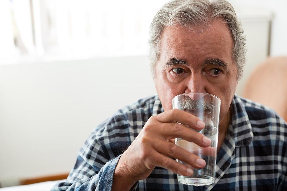 徵兆三: 口渴或多吃卻持續消瘦