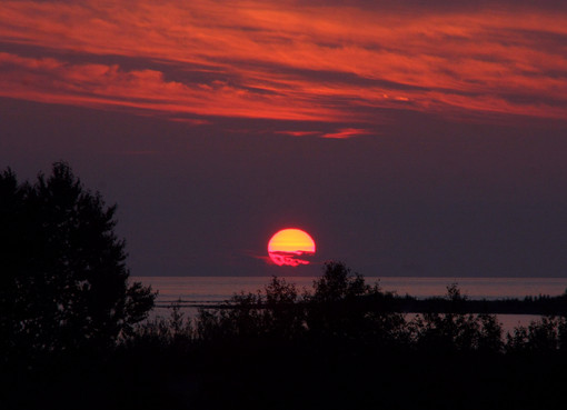 Fire ball drops into Lake Huron at Inverhuron