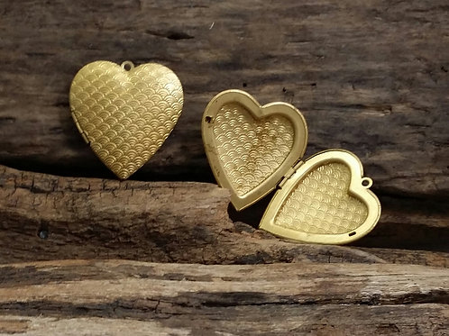 Large Puffy Heart Lockets, Gold Tone, 40mm, 1 pc.