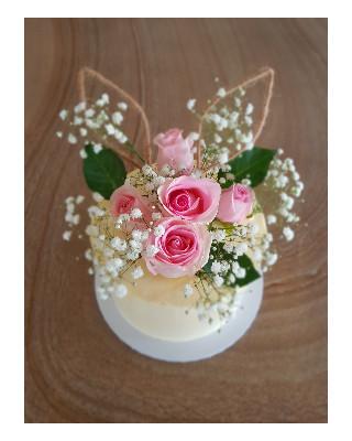 Custom Cake -fresh flowers