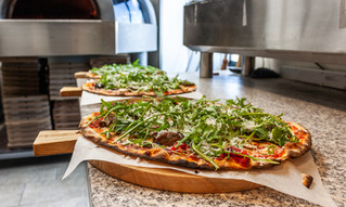 Vedugnsbakad pizza med oxfilé