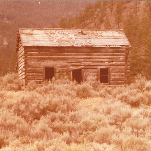Run down cabin Lillooet 1978.jpg