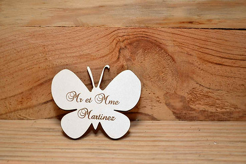 Magnet en bois blanc papillon personnalisable