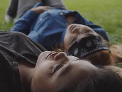 Maria y Gemma in the grass