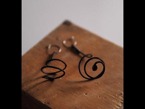 Vine plant earrings(まきひげ)