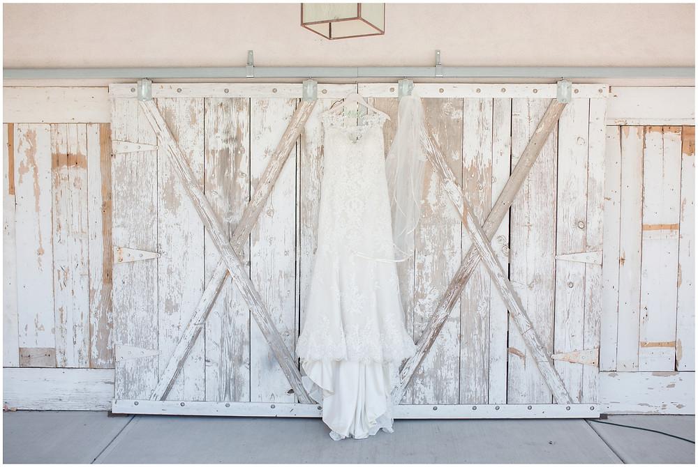 Los Poblanos wedding. summer wedding. wedding invitations. New mexico wedding. Outdoor wedding. Maura Jane Photography. summer wedding dress