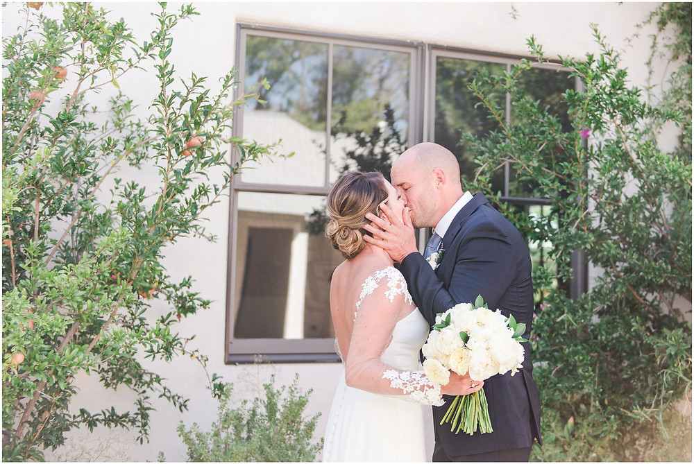 Wedding at Casa Rondena Winery. Maura Jane Photography. fall wedding New mexico. Outdoor wedding venue albuquerque. New Mexico Wedding Photographer. Winery Wedding. first look photos.