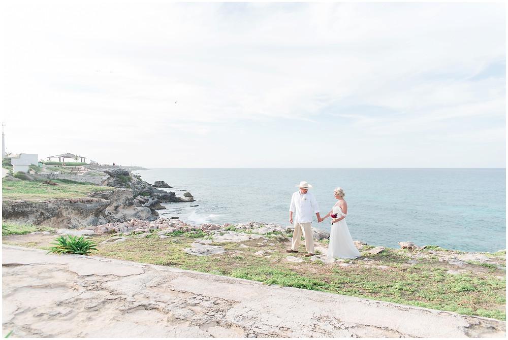 Destination wedding photographer. mexico wedding. beach wedding. traveling photographer. mexico elopement