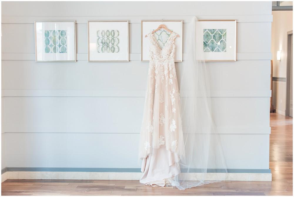 New Mexico wedding photographer. Albuquerque wedding photographer. Noahs event venue wedding. Pink and burgundy wedding. outdoor wedding portraits. champagne lace wedding dress. dream dress