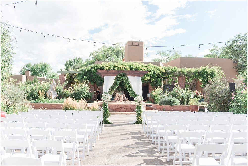 Elegant Santa Fe Wedding photographer. New Mexico wedding photographer. Elegant dinner party wedding. santa fe and albuquerque wedding photographer. wedding arbor