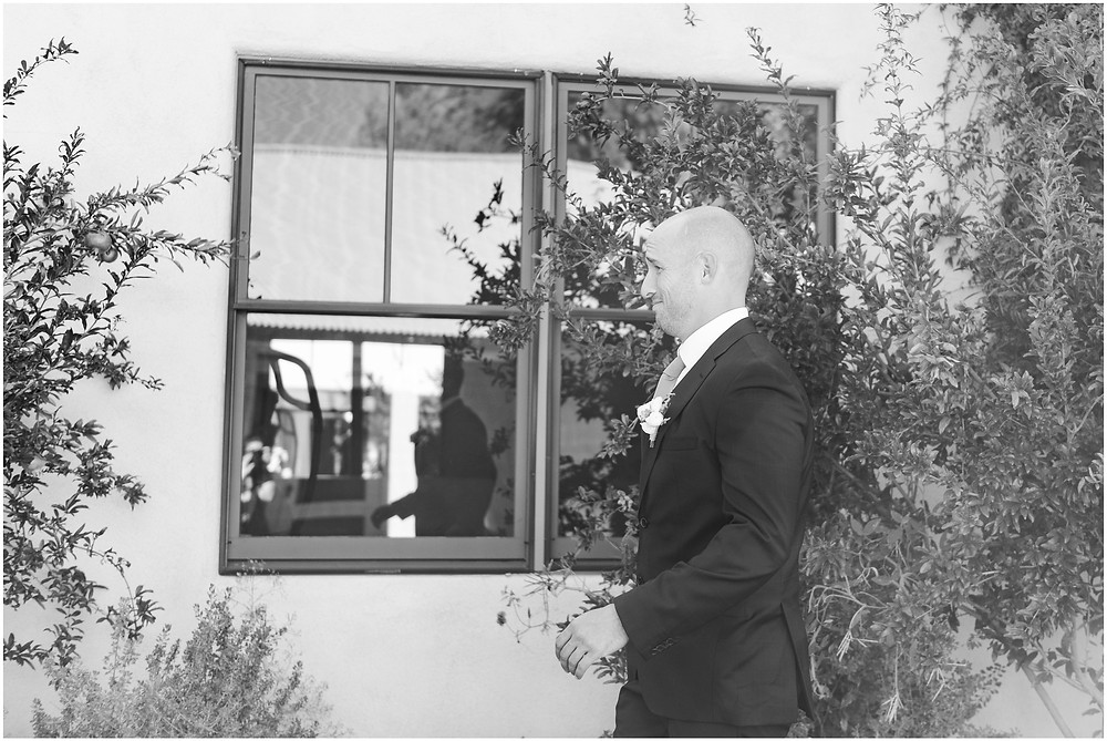 Wedding at Casa Rondena Winery. Maura Jane Photography. fall wedding New mexico. Outdoor wedding venue albuquerque. New Mexico Wedding Photographer. Winery Wedding. first look wedding photos.