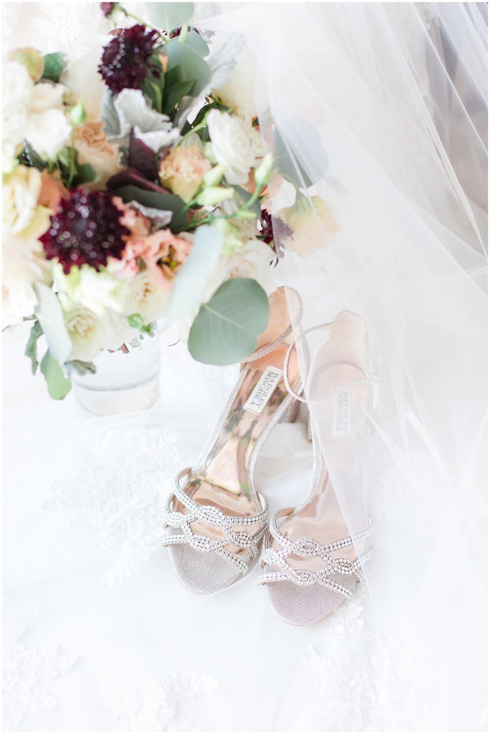 Los Poblanos wedding. summer wedding. wedding invitations. New mexico wedding. Outdoor wedding. Maura Jane Photography. wedding shoes. wedding bouquet