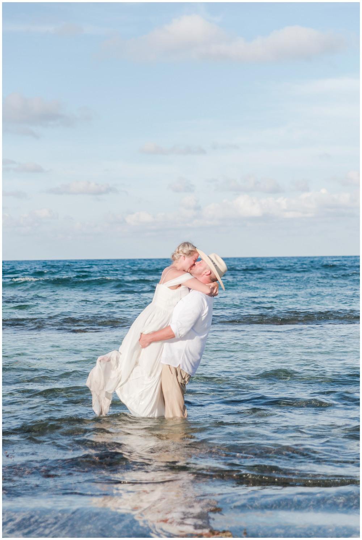destination wedding in mexico, destination wedding in cancun, elopement wedding photographer,