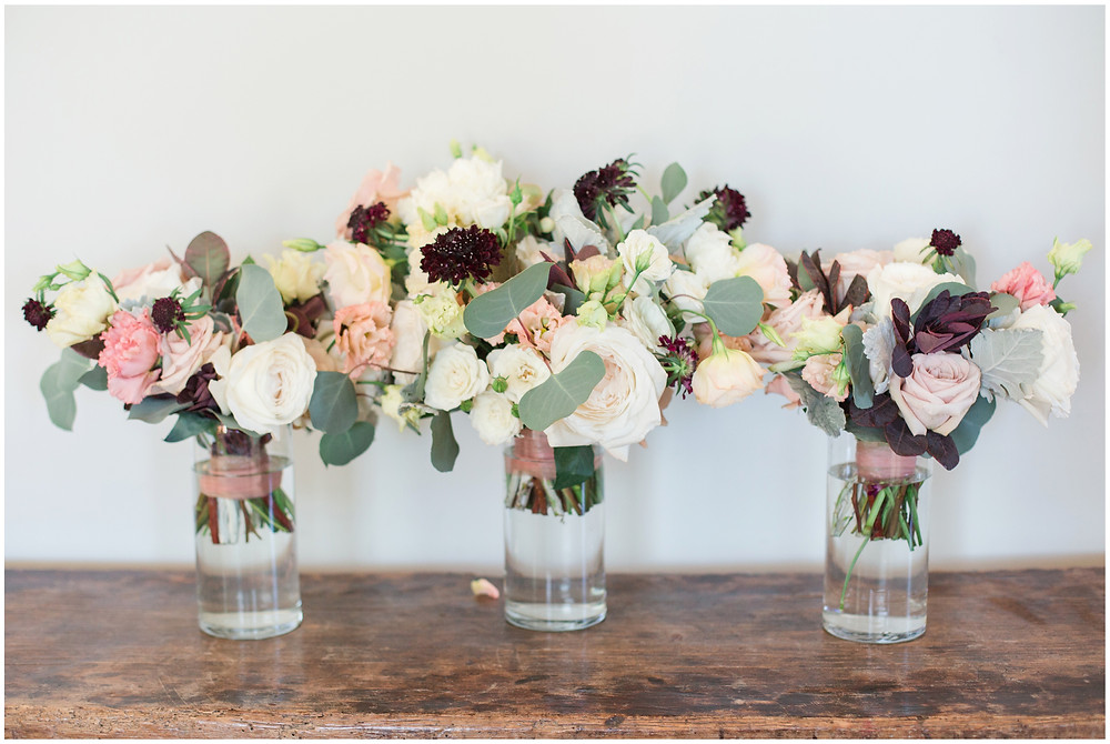 Los Poblanos wedding. summer wedding. wedding invitations. New mexico wedding. Outdoor wedding. Maura Jane Photography. wedding bouquet. dark bouquet.