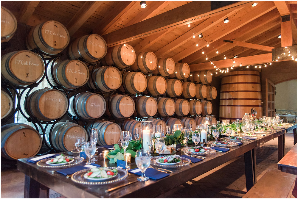 Wedding at Casa Rondena Winery. Maura Jane Photography. fall wedding New mexico. Outdoor wedding venue albuquerque. New Mexico Wedding Photographer. Winery Wedding. Wedding dinner table. reception decor