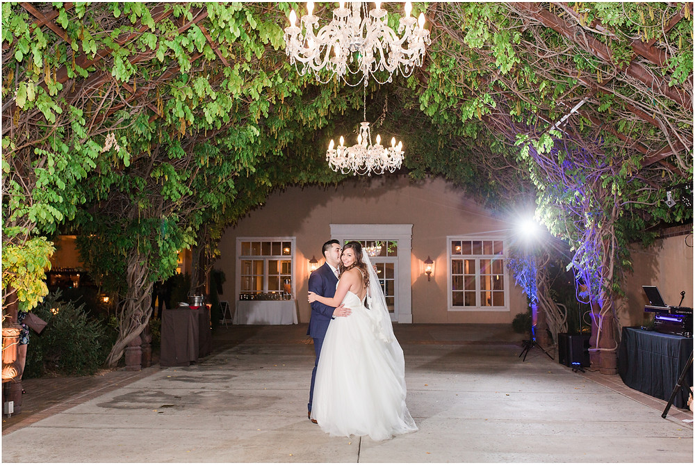 wedding at hotel albuquerque. new mexico wedding. outdoor wedding new mexico. albuquerque wedding. new mexico wedding photographer. Maura jane photography. Pink wedding. summer wedding. pink wedding bouquet. pink bridesmaids dresses. summer wedding. outdoor ceremony