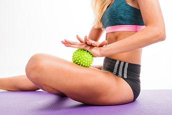Yoga-balle-de-massage-2.jpg