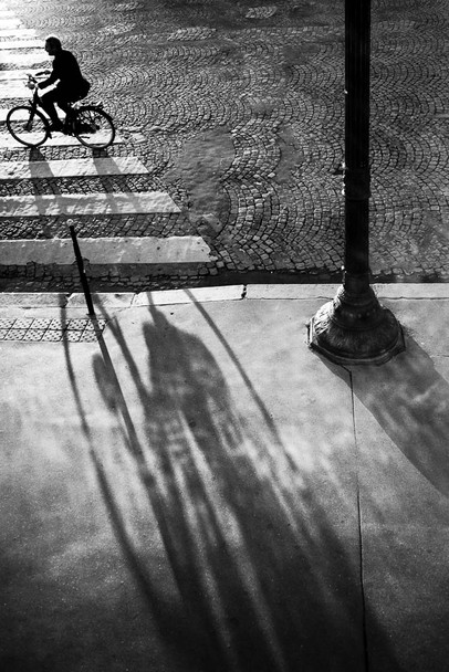 Un cycliste à Paris ©Gilles Vidal