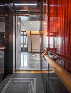 Mitsubishi Ascenseurs - Hôtel Peninsula Cabine-5