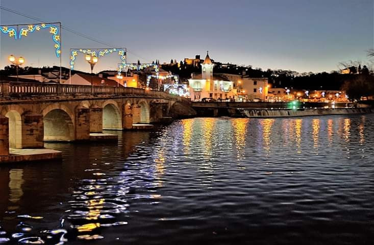 Old Tomar bridge at night