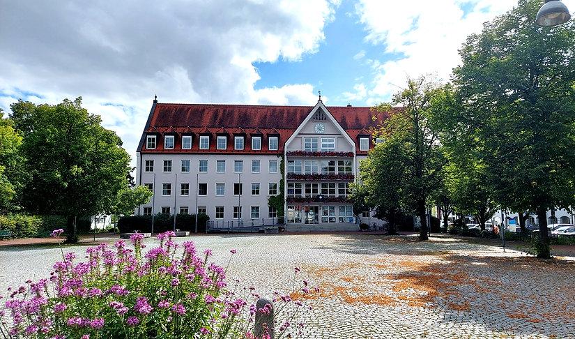 bobingen_rathaus_immobilienmakler.jpg