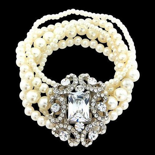 Glam Diva Pearl Bracelet