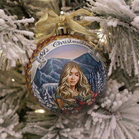 "Review: Johanna Jones ""It's Christmastime"""