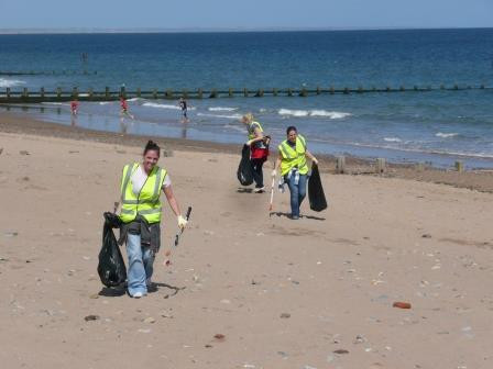 Come along to our Boat Show Beach Clean