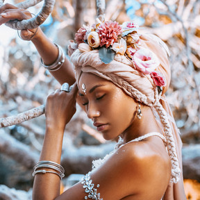 Embodying The Goddess: A Return To Sensuousness & Embodied Love